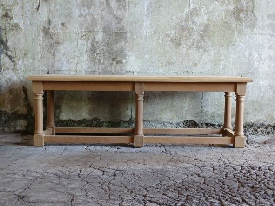 Hall Bench with 6 Turned Cannon Barrel Legs
