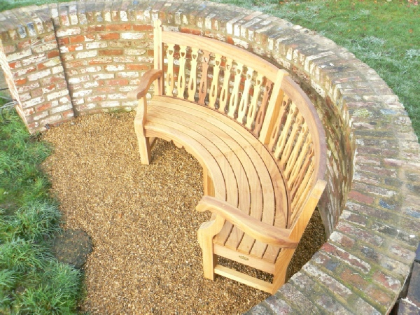 Curved Seat - Biddenham