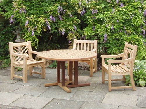 Hadham Round Pedestal Table, Chinoiserie, Slatted & Leagrave armchairs