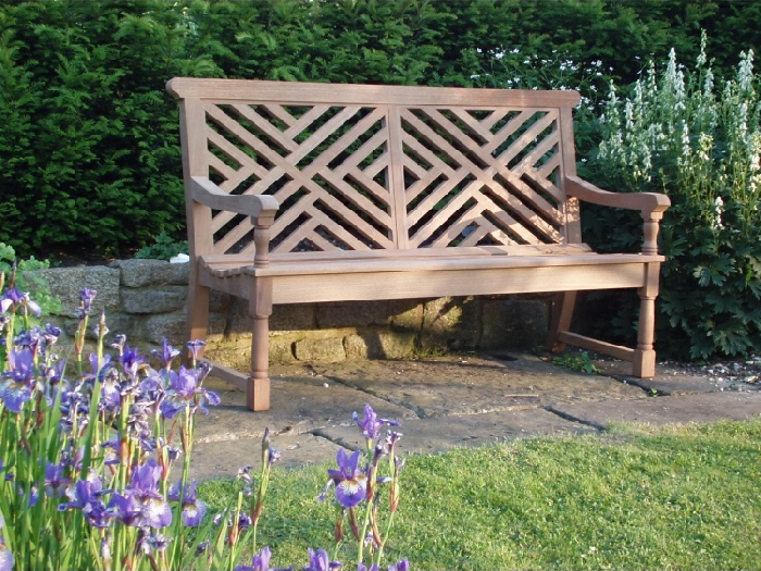 Three Seater Garden Seat - Moot Style with 2 panels